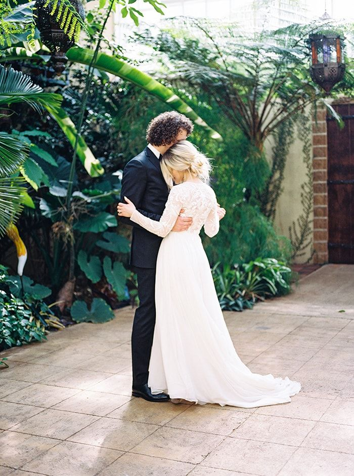 Black Tie Garden Wedding Ceremony In Oregon