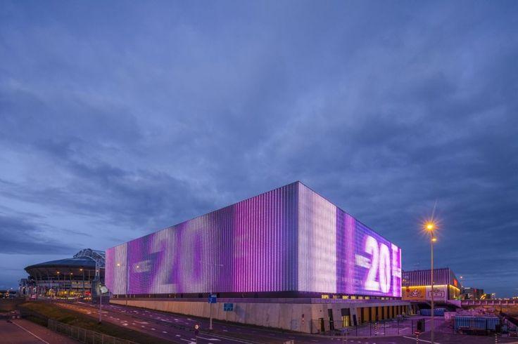 Ziggo Dome by Benthem Crouwel Architects. LED media facade.