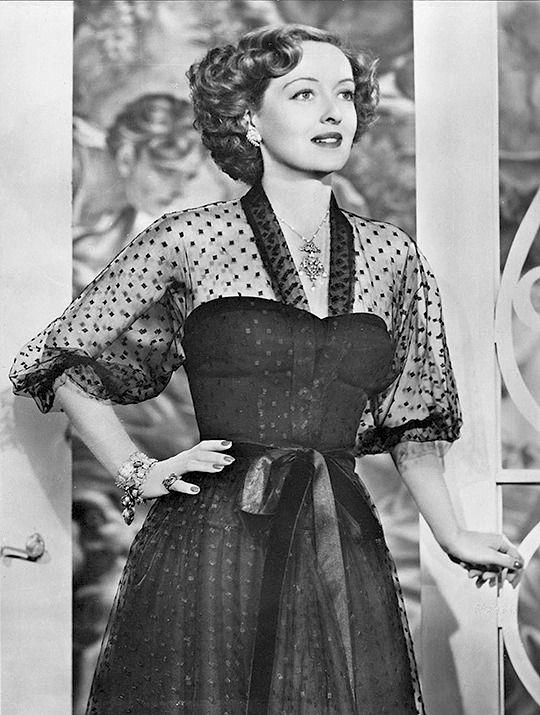 Bette Davis 〡 June Bride, 1948    VERY NICE PIC OF BETTE DAVIS............ccp