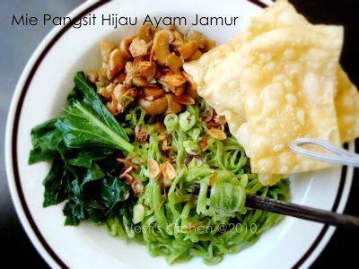 HESTI'S KITCHEN : yummy for your tummy: Mie Pangsit Hijau