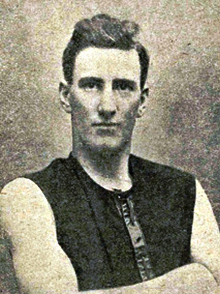 Walter Scott. Played 1920-1932. Games Norwood 174. Premierships 1922, 1923, 1925, 1930. Magarey medal 1921, 1924, 1930.