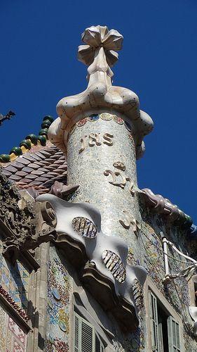 Casa Batillo. Barcelona, Spain. 1904-6. Antoni Gaudi.