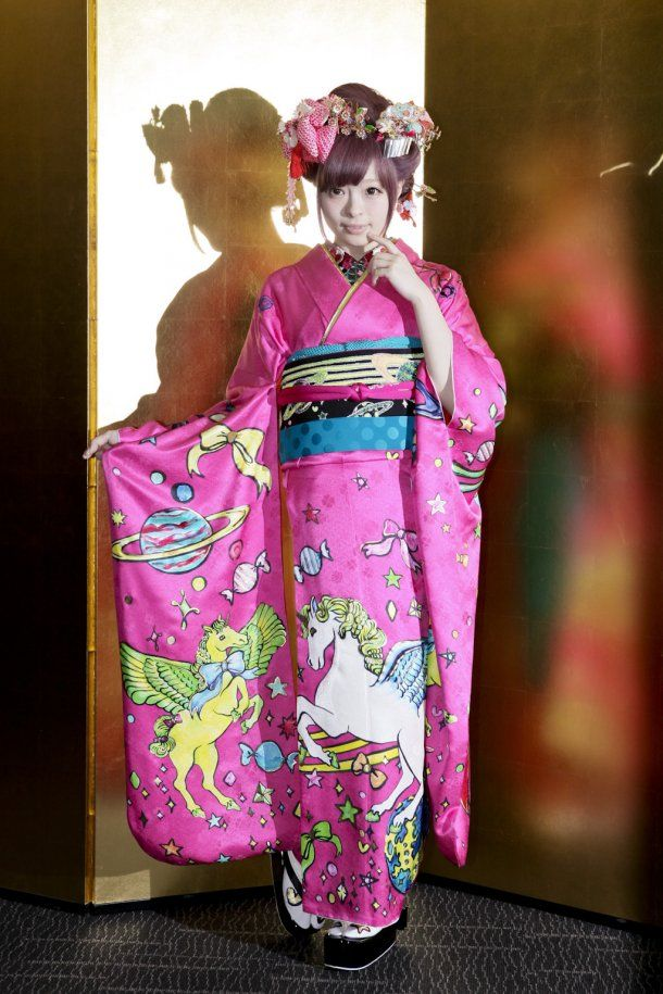 Kyary Pamyu Pamyu~~♥♪♫ Japanese music fashion icon--!☆★☆ furisode kimono. . .unicorn outer space print. . .hair decorations. . .traditional Japanese fashion. . .kawaii