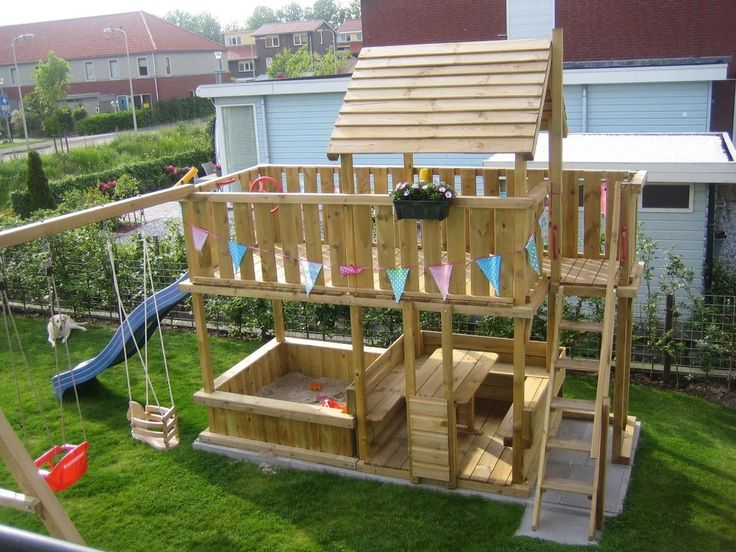 I love the picnic table and benches incorporated into the structure #gardenplayhouse