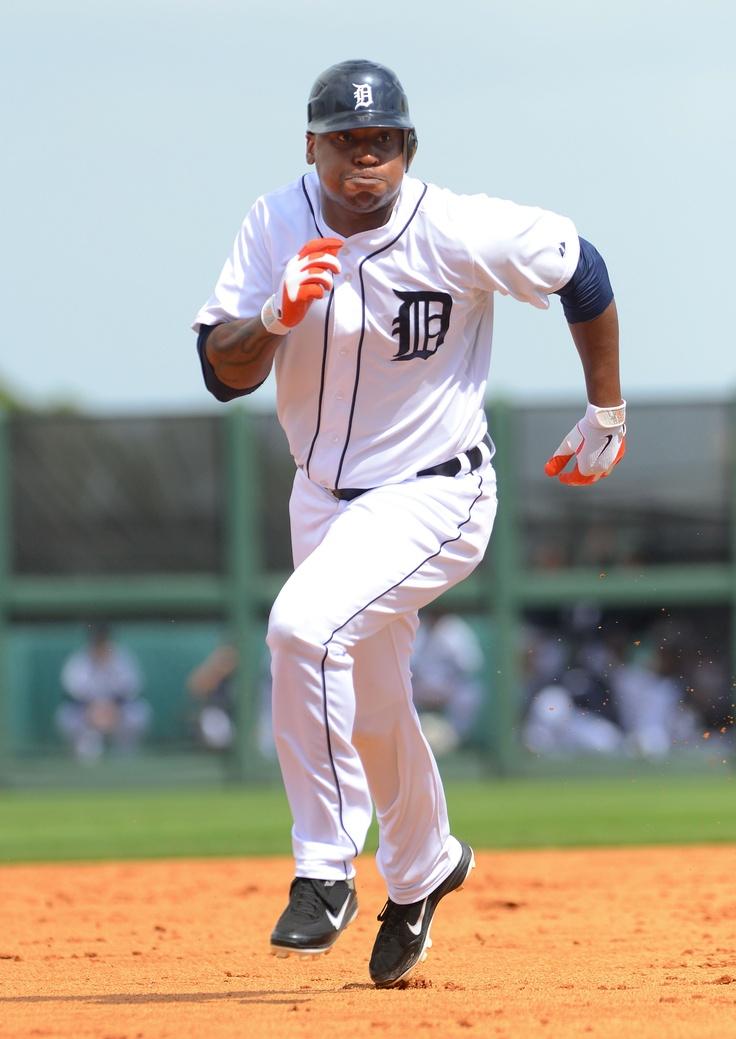 Delmon Young runs the bases. Detroit tigers, Detroit