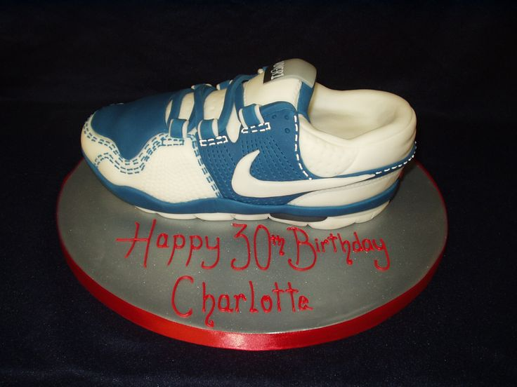 Nike Shoes Cake Design : 20 best images about Trainer Cake on Pinterest Nike max ...