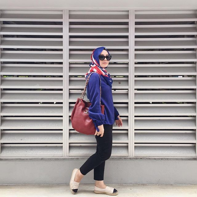 SnapWidget | Spot anything new? (Wearing @line_32 Sonia blouse from @fashionvaletcom) #fvootd #duckscarves #line32