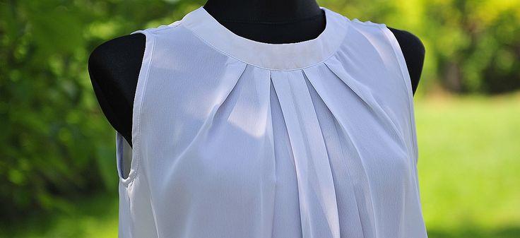 Przedłużona stanie się sukienką. Doszyta do szerokich spodni górą kombinezonu. W roli bluzki również sprawdzi się wyśmienicie. Szczególnie, że za oknem takie upały i czas na letnie bluzeczki nastał wszędzie.
