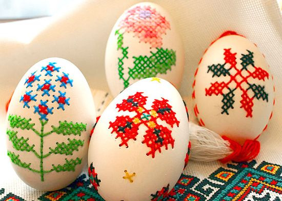 Cross stitched eggs - neat! #craft #cross-stitch #eggs #easter