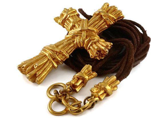 Vintage CHRISTIAN LACROIX striée texturé Collier croix
