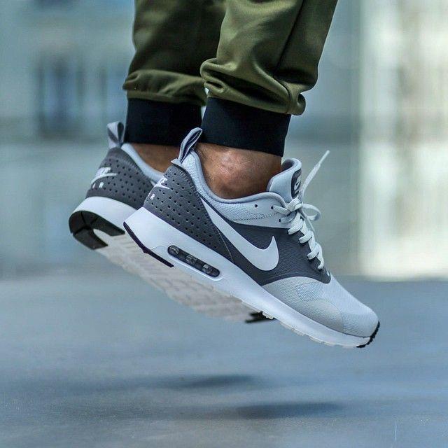 Nike Air Max Tavas Platinum