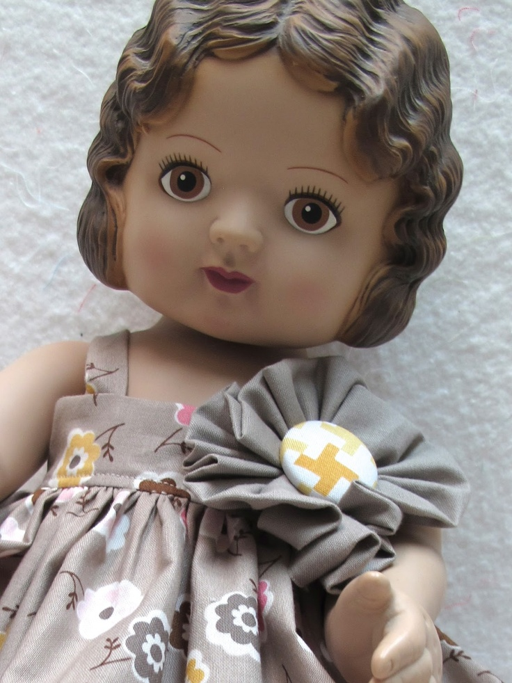 "Bee In My Bonnet: 18"" Doll Dress and a Giveaway!!!"