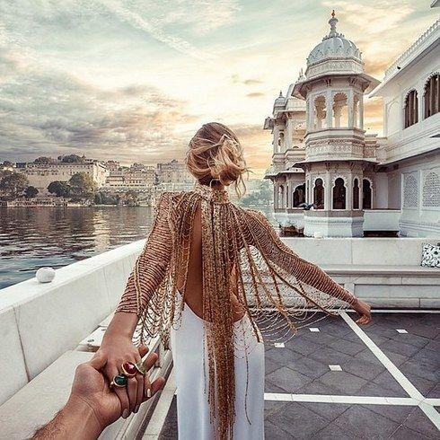 """El fotógrafo que """"sigue"""" a su esposa en todo el mundo ahora ha revelado cómo toma las fotos.   – Geil!"""