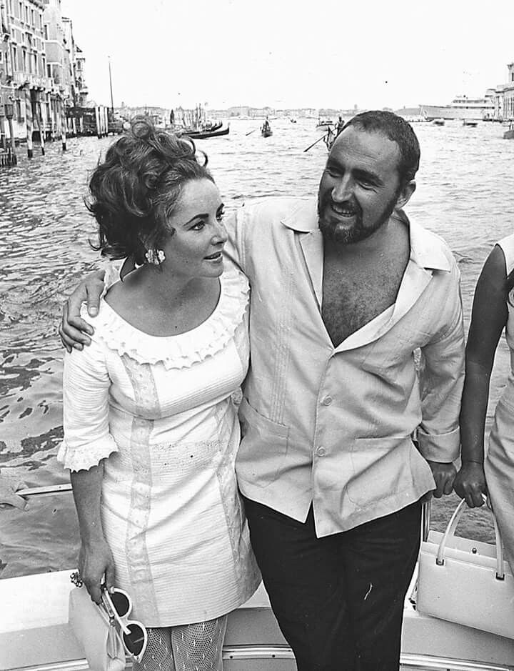 ET in Venice w/her brother Howard.