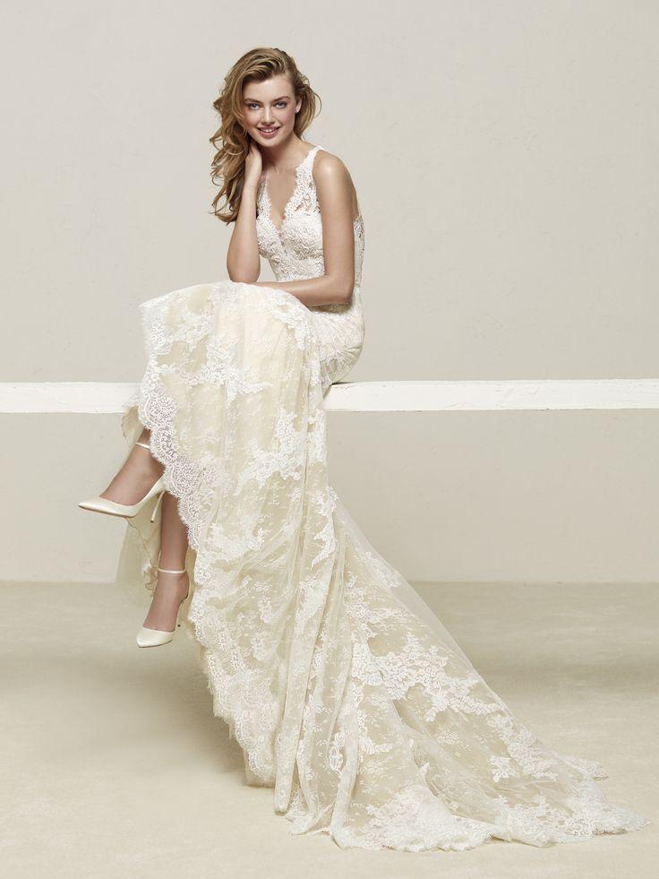 Fabulous Pronovias u Indianapolis IN Bridal Store u Wedding Dresses