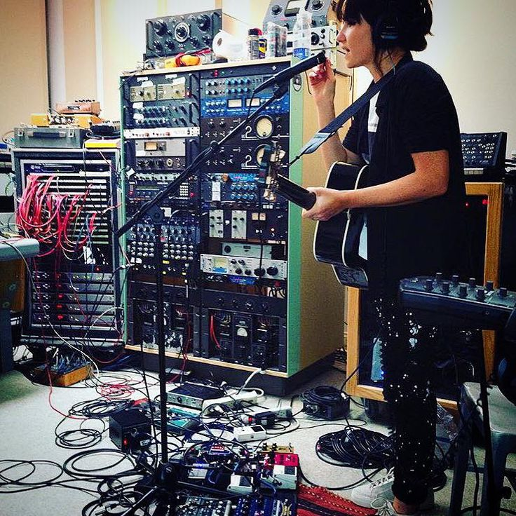 """KT Tunstall · """"We're gonna need some more leads over here""""... http://kttunstall.com/"""