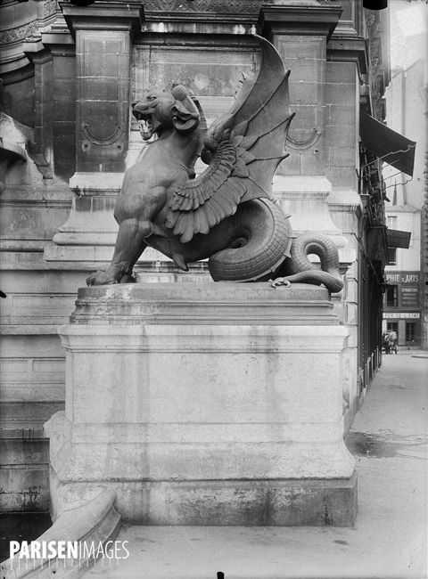 Sur Paris en Images, retrouvez plus de 130 000 photos des collections photographiques de la Ville de Paris (collections Roger-Viollet, musées et bibliothèques municipales).