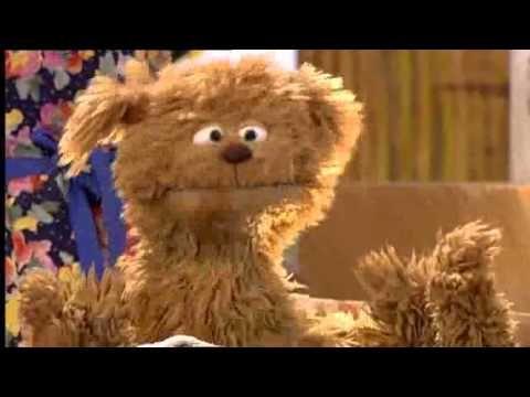 In bad (pech gehad) -- Tommie -- Sesamstraat (Dutch Sesame Street) - YouTube
