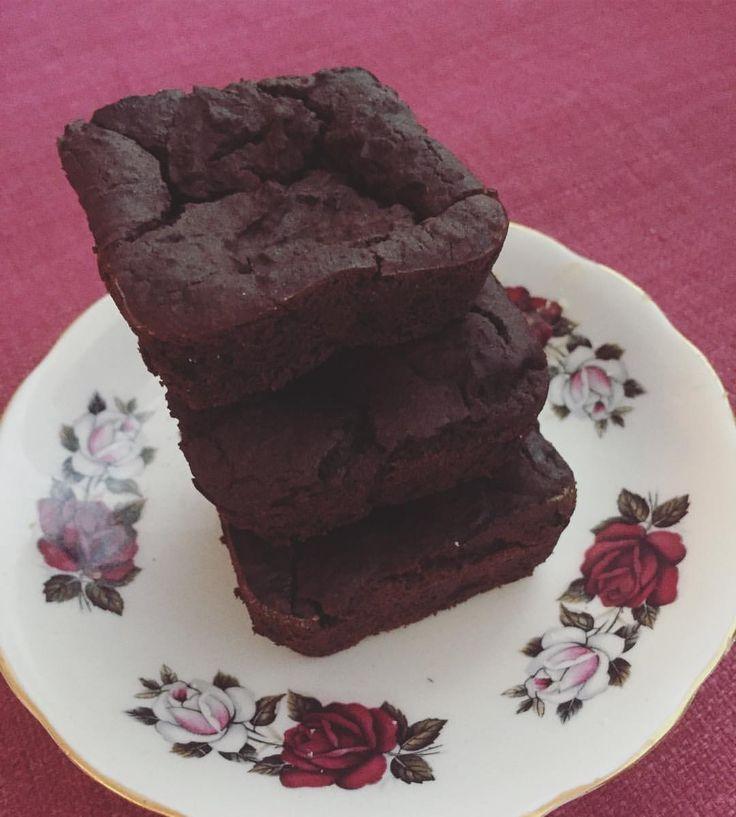 "54 Likes, 5 Comments - Rose&June*Vegan Baking/ Tea (@roseandjunebake) on Instagram: ""Stocking up on brownies for the weekend 😋🎉"""