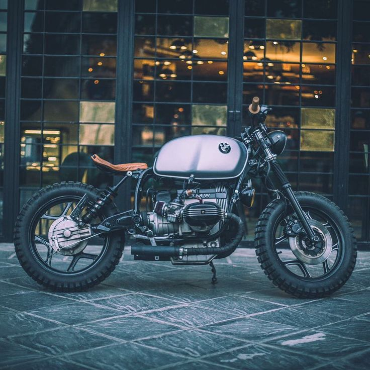 Today's submission comes from Spain, featuring @pabliyo94's BMW R65. Thanks for sharing! . Submit your builds to contact@croig.co to be featured. . . #croig #caferacersofinstagram #caferacer #spain #bmwmotorrad