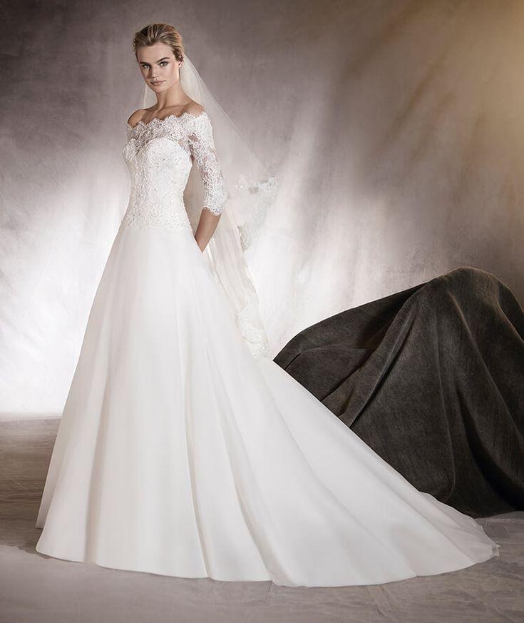 Algeciras - Brautkleid mit Carmen-Ausschnitt, Spitze und Schmucksteinbesatz