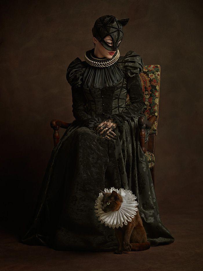 Pop culture favorites get Baroque makeovers in epic geeky mashup Portrait d'une femme féline en noir et de son animal de compagnie encore plus sauvage (Portrait of a feline in black and her ferocious animal companion)