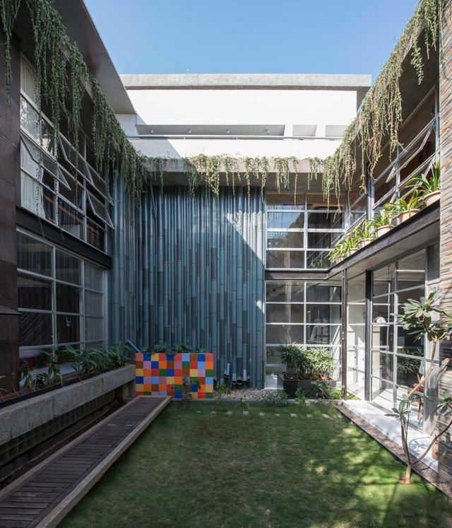 sps_architects_8.jpg?itok=ZyA24g6v