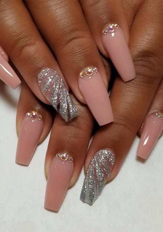36 Elegant Ideas Of Nail Designs For Fashionable Women In 2019
