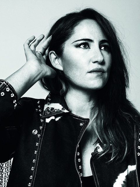 KT Tunstall posing for the Hear the World initiative (photography by Bryan Adams)