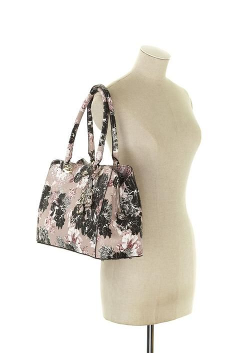 Guess Halley GF Satche - Totes And Shoppers (3165652)