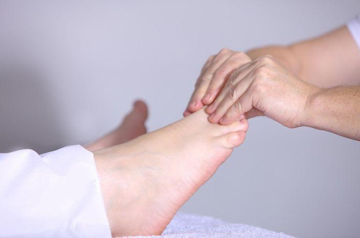 Tato jednoduchá masáž chodidel pomůže odstranit bolest zad