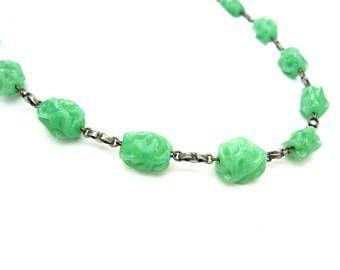 Collier de perles de verre. Vert Jade RAS de cou. Maillons en argent 800. Perles au chalumeau. Bijoux de perles vintage des années 1930 Art déco
