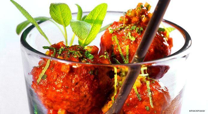 Italian Meatballs With Tomato sauce