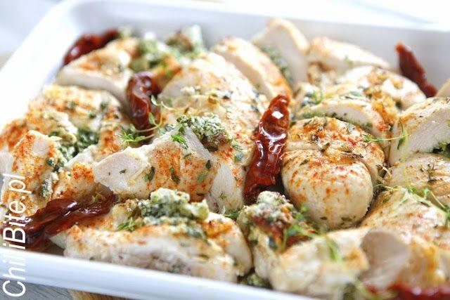 ChilliBite.pl - motywuje do gotowania!: Faszerowana pierś kurczaka z ricottą i szpinakiem