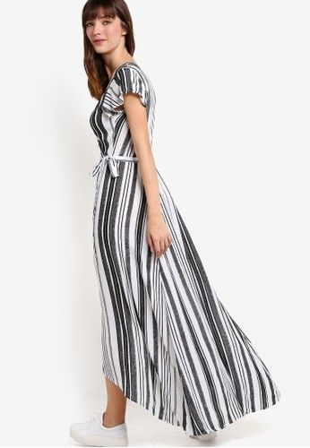 Woven Lucy Wrap Maxi Dress from Cotton On in black_2