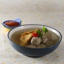 BAKSO DAGING KUAH KETUMBAR http://www.sajiansedap.com/recipe/detail/3913/bakso-daging-kuah-ketumbar