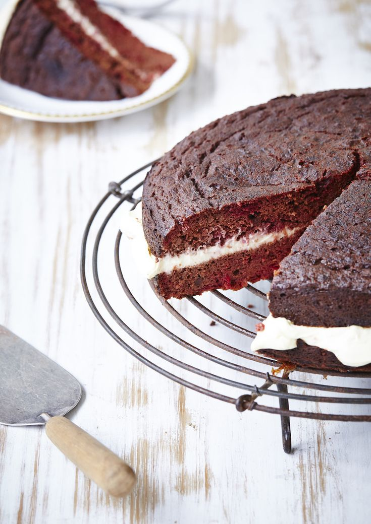 Gluten free red velvet cake with chocolate beets cream for Gluten free chocolate beetroot cake