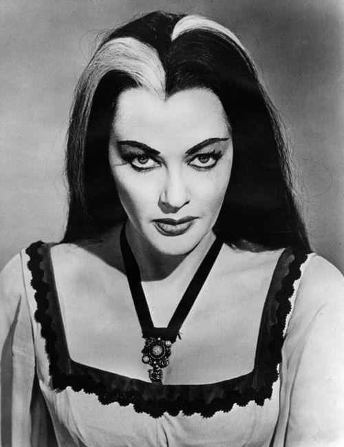 Lily Munster...Yvonne DeCarlo...smoulders...