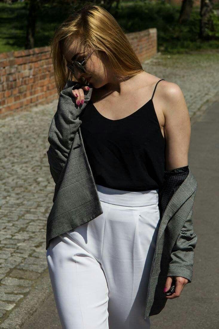 #ootd #outfit #tartan #jacket #whitepants #look #fashion