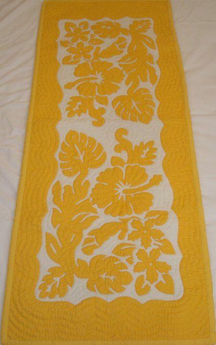 Hawaiian quilt table runner wall hanging 100% hand quilted/hand appliqued Hawaiiana
