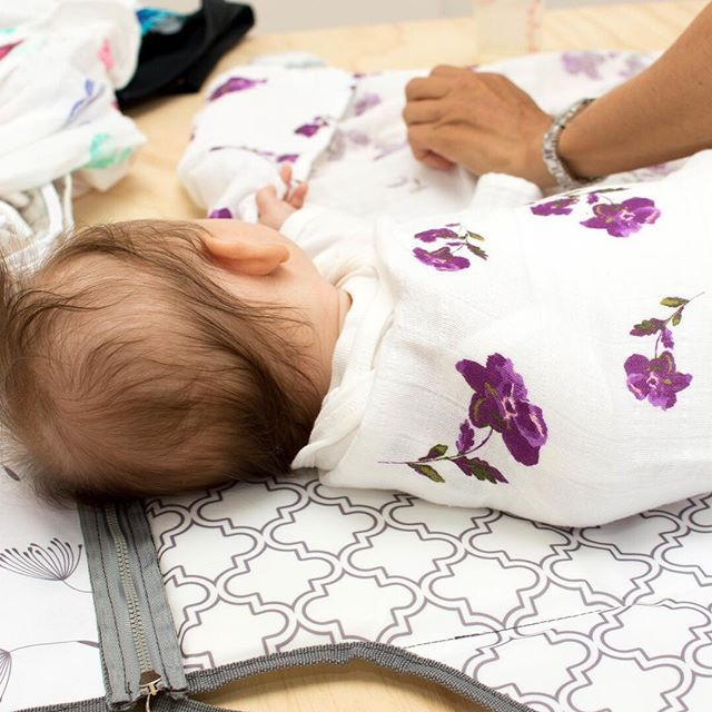 When cutie pies play camera shy... 📸    Our swaddles keep little ones all snug and secure. They'll feel safe and warm and won't get upset by their own (adorable!) startle reflexes 😍    #Regram via @margauxandmay