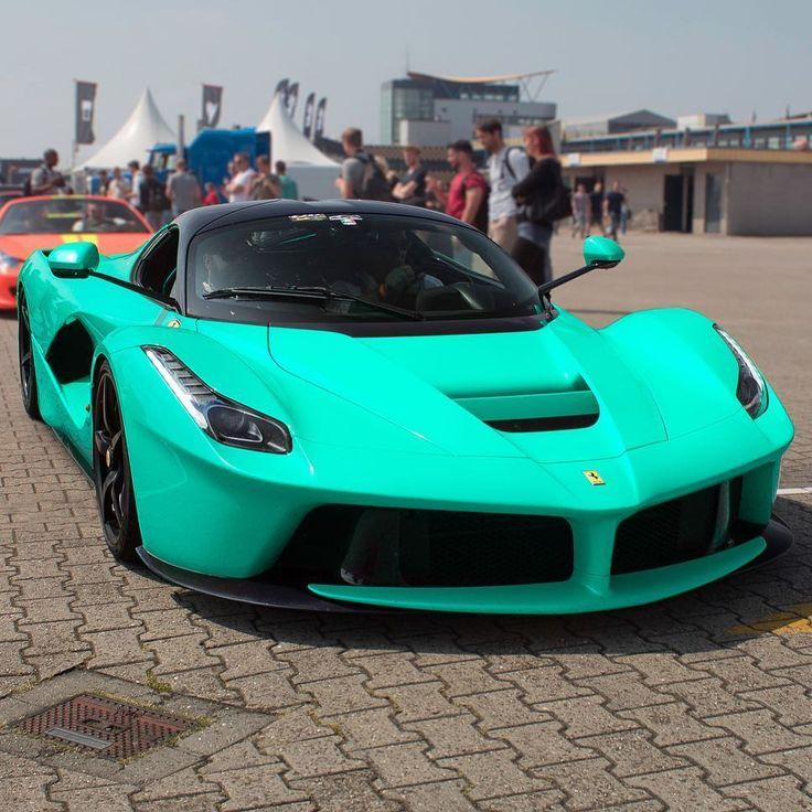 Ferrari laferrari v12 engine top speed 350kmh 217mph