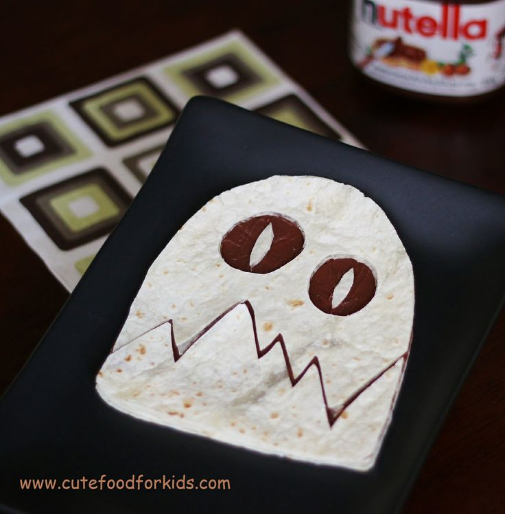 Nutella + Tortilla + scissors = cute and easy Halloween lunch