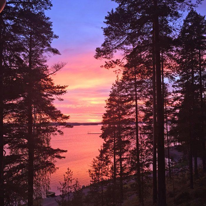 The Girl with the Suitcase: Tramonti infiniti, mille boschi e nuvole sull'acqua: la mia Finlandia