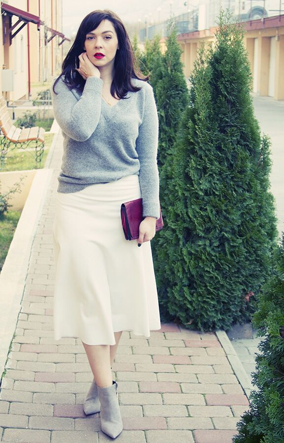 the perfect white skirt
