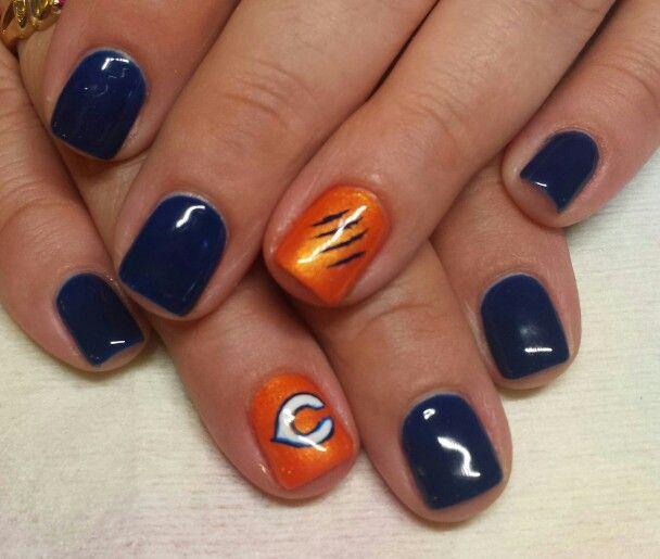 Chicago Bears gel polish nails
