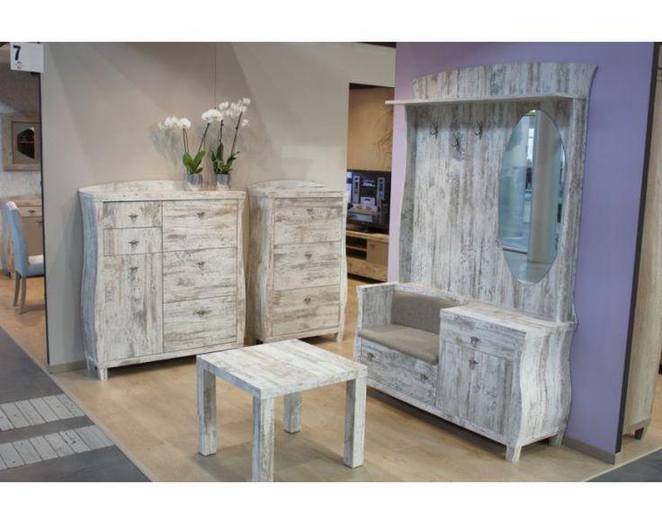 Patinovaný nábytek do předsíně