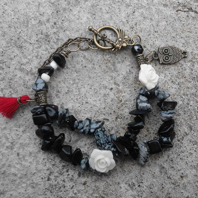 Huh setelah semedi sekian lama i present for the first time 2017 boho barcelet n i like so much the little vintage there ..... Ready stock 2 pcs ! Kalo kamu suka sesuatu yang berbau nostalgia dan jadoel kaya saya ... lets take this one 🌿🔻🔶 happy thursday guys ... #FLOSeccories #bohomian #vintage #handmade #handmadejewelry #handmadebarcelet #art #bohemian
