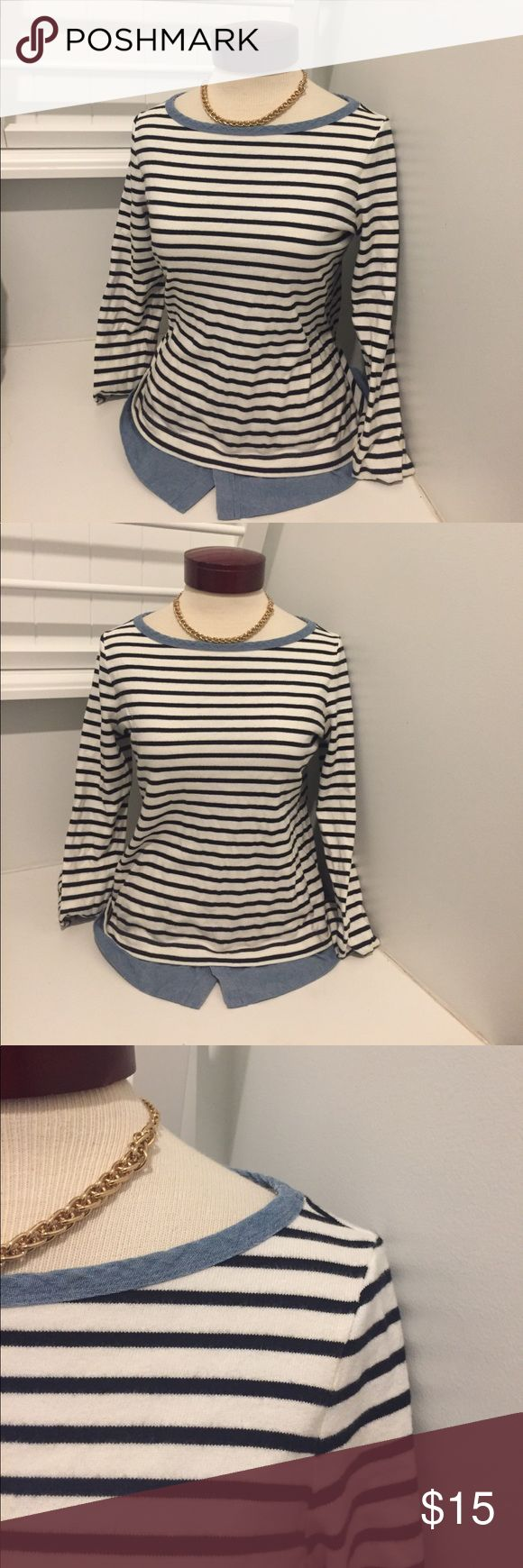 ANN TAYLOR LOFT CAREER BLOUSE NAUTICAL SMALL Very gently used this shirt is a loose fit and could work as a small or a medium LOFT Tops Blouses