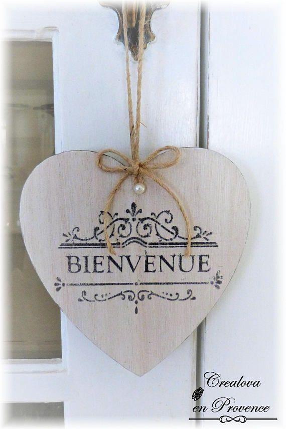 Plaque de porte cœur en bois cérusé a suspendre Bienvenue